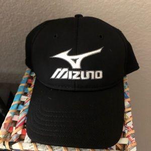Mizuno black OSFA golf hat